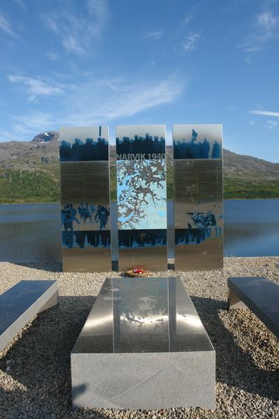 Норвегия. Битва при Нарвике. Монумент