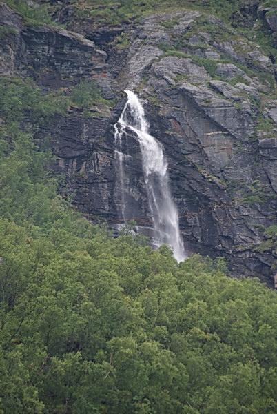 Водопады в Северной Норвегии, Лингенфьорд
