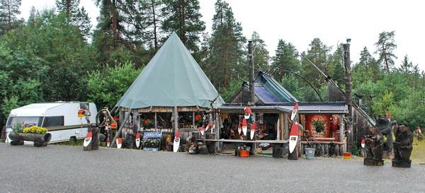 Сувениры около озера Инари, Финляндия
