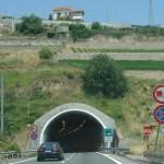 Бензоколонки, платные дороги и парковки в Европе