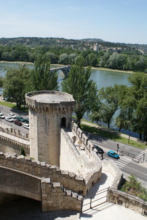Дворец Пап в Авиньоне Вид на город с терассы