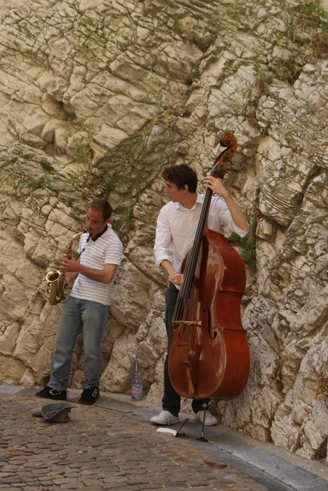 Уличные музыканты в Авиньоне