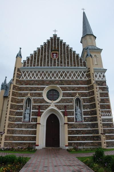 костел св. Петра и Павла в деревне Рожанка