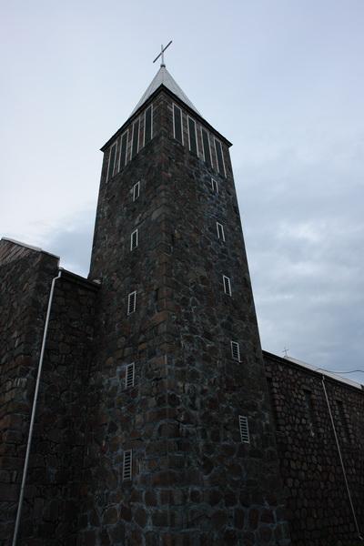 В деревне Большая Рагозница стоит просто-таки нордический костел Девы Марии, построенный в 1926 году