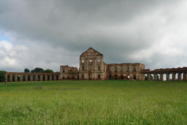 Ружаны. Дворец Сапег
