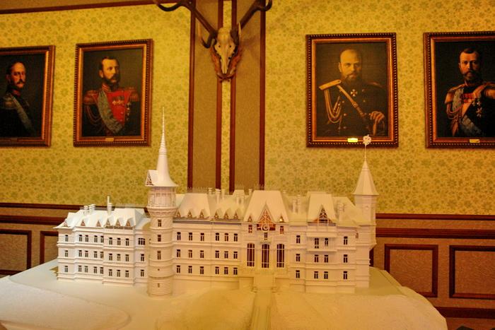 Беловежская пуща, Музей Природы. Царский дворец