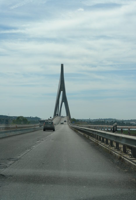 Мост на границе между Португалией и Испанией