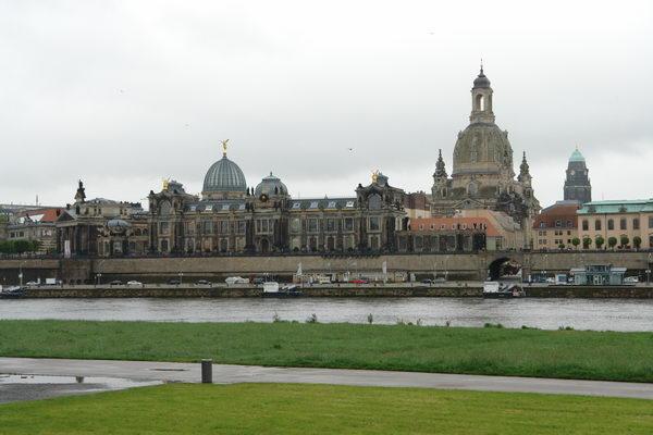 Дрезден, Вид старого города с Эльбы. Балконы Европы