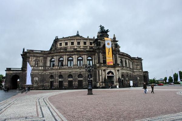 Дрезден, Опера