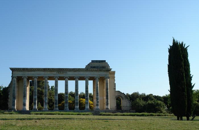 античный театр около нима