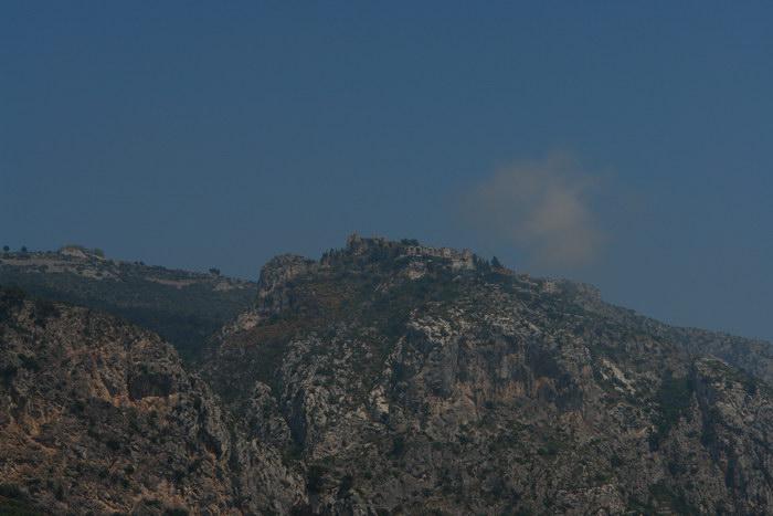 горы на лазурном берегу