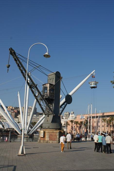 Италия, Генуя, Старый портовый кран
