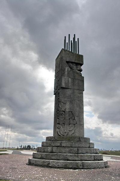 Грюнвальд поле битвы, памятник