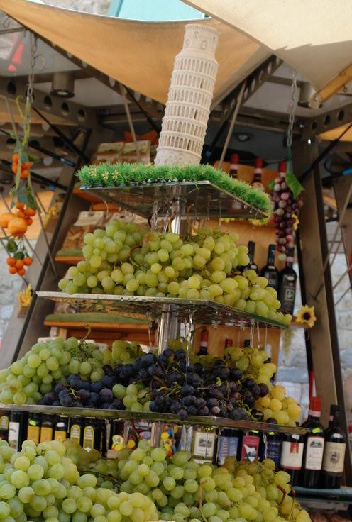Пиза, продажа винограда