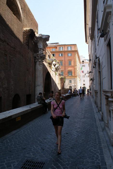 Рим, у Пантеона