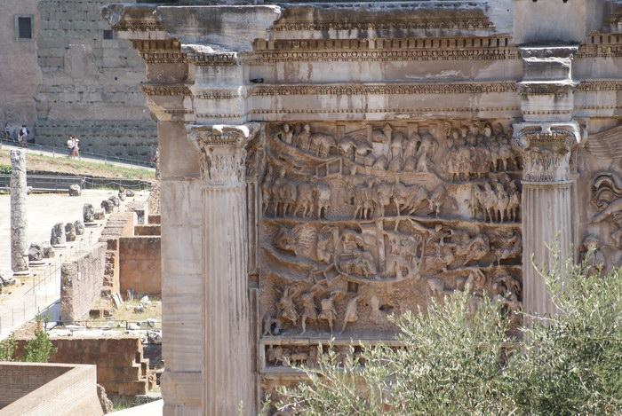 Рим, Форум, Триумфальная арка