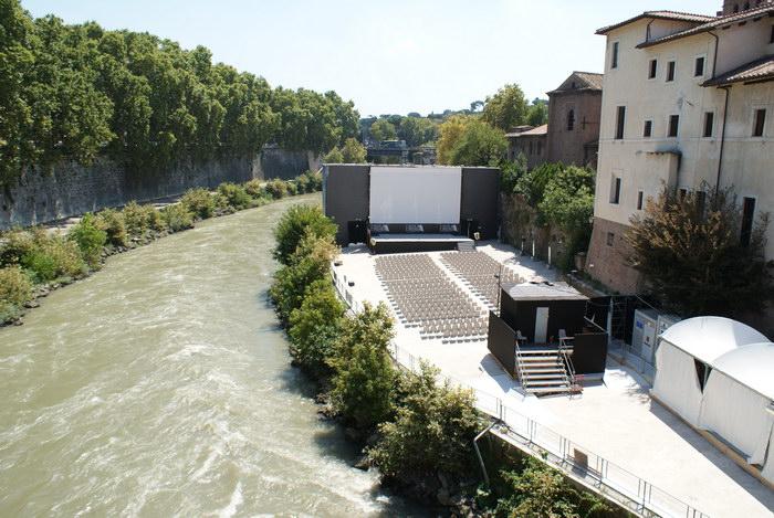 Рим, Остров Тибра, кинотеатр под открытым небом