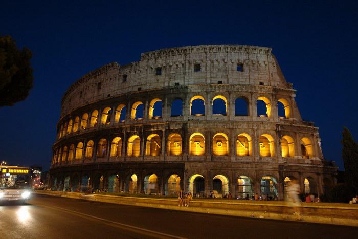 Рим, св. Коллизей ночью