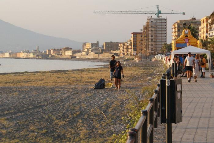 уборка мусора в Неаполитанском заливе, Кастелламмаре ди Стабия