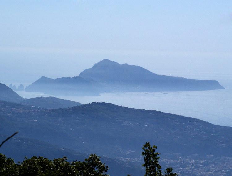 монте Фаито, вид на Капри