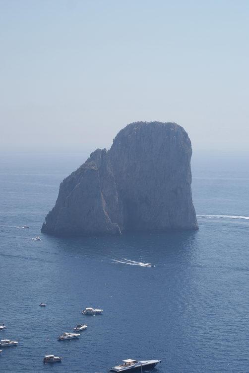 остров Капри, Фараглиони