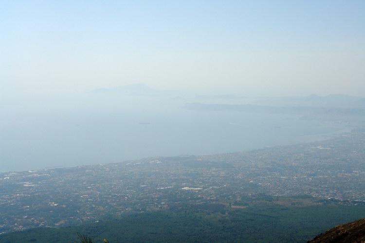 Везувий вид на Неаполь