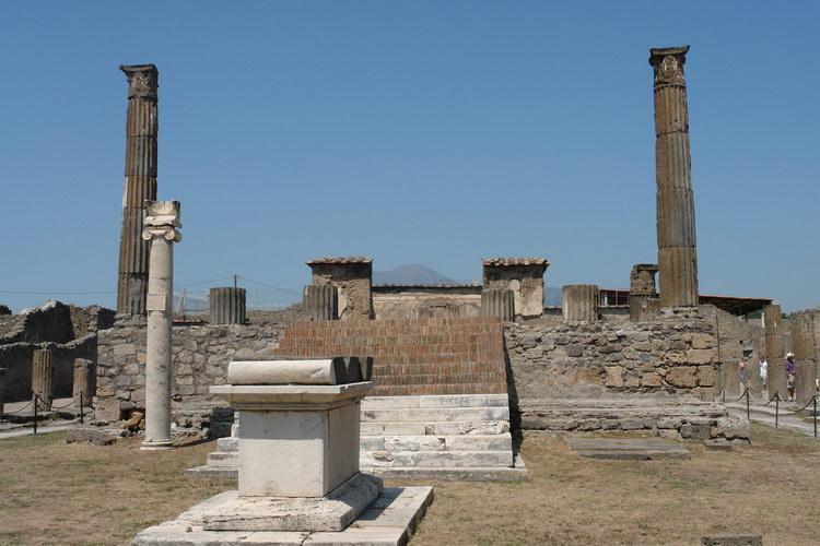 Помпеи. храм Апполона