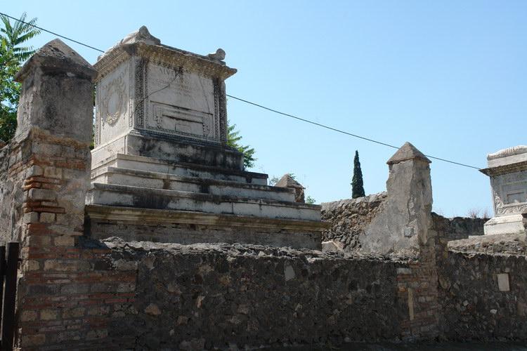 Помпеи. некрополь