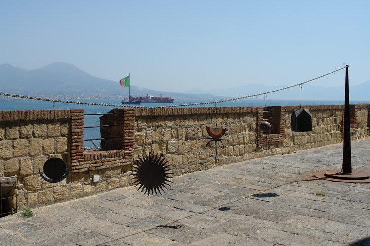 Неаполь, Вид от замка яйца