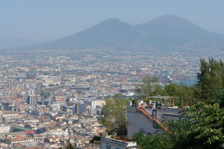 Неаполь,
