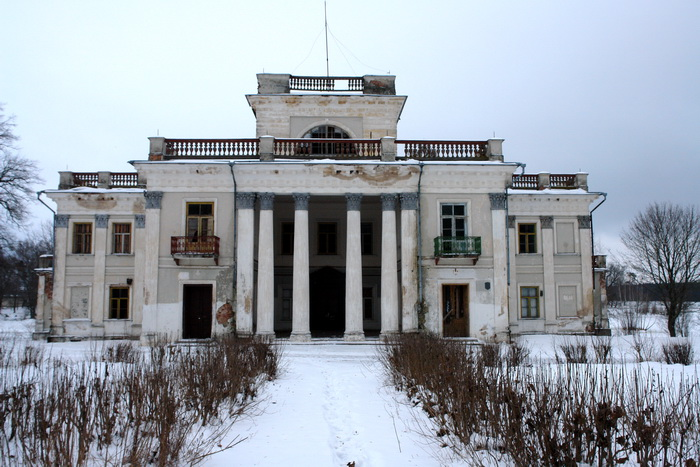 Жемыславль дворец Уместовских, зима