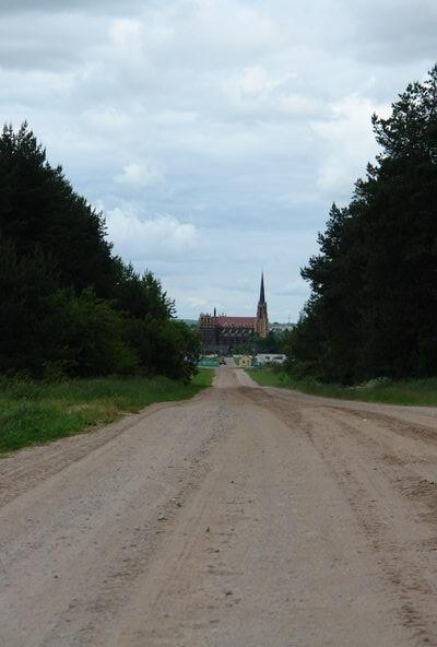От Ворнян до Гервят дорога пролетает незаметно.