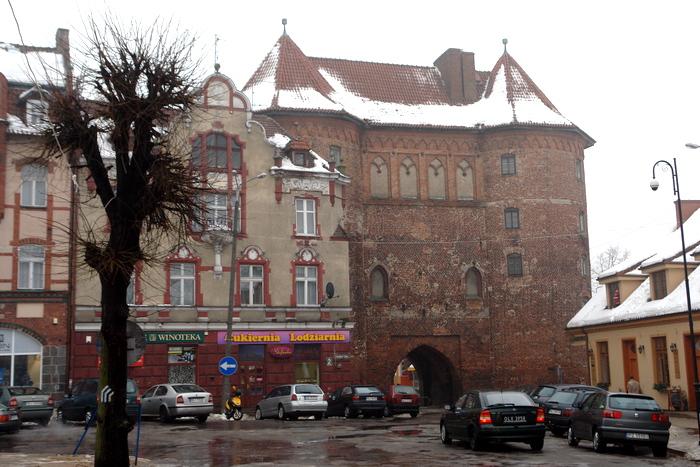 Линдзбарк Вармински. Высокие ворота
