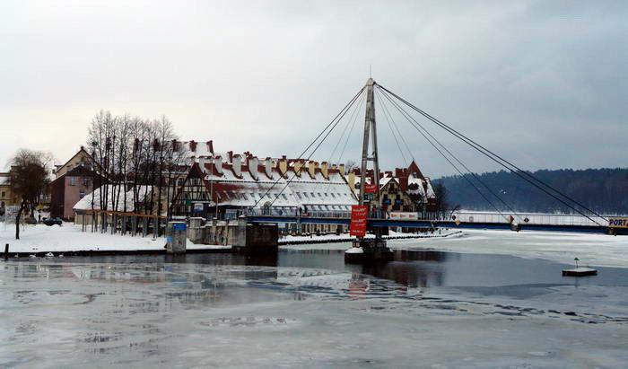 Миколайки. Пешеходный мост