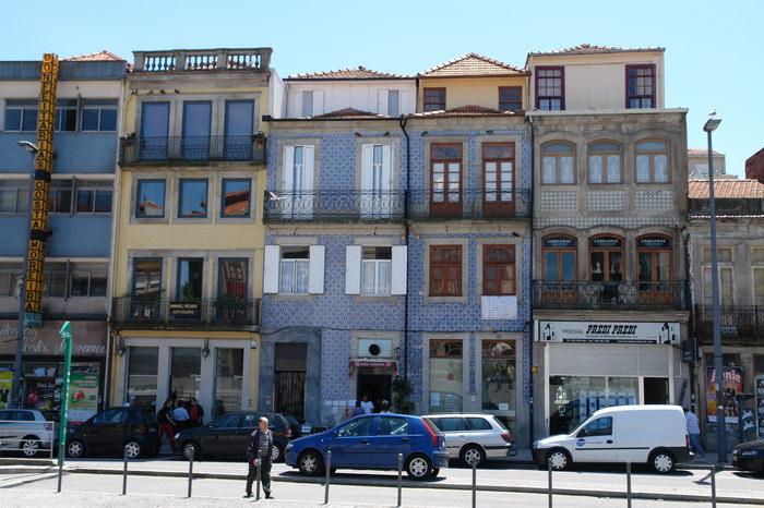 Изразцы на домах в Порту