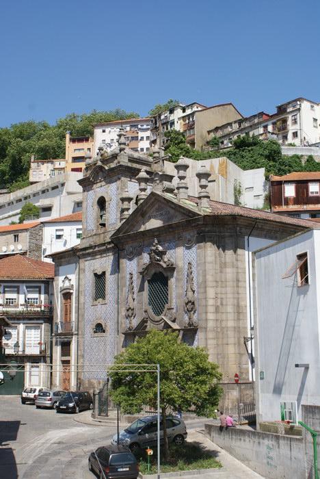 Храмы в Порту отделаны голубой плиткой