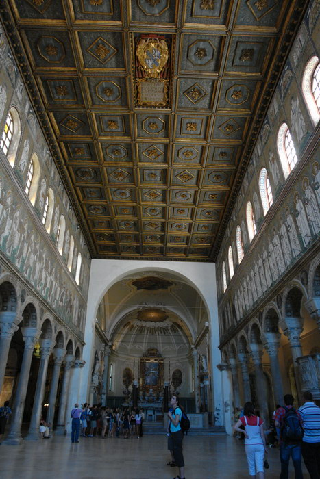 Равенна, Базилика Сант-Аполлинаре-Нуово, мозаики
