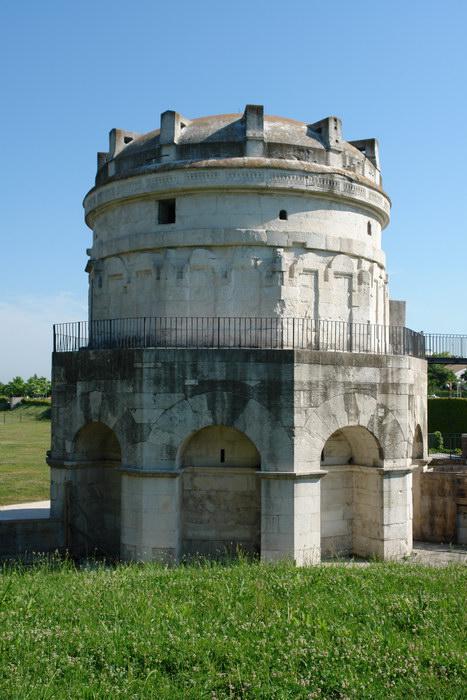 Равенна, мавзолей Теодориха