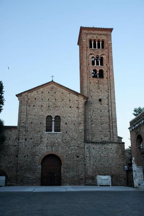 Равенна.  Базилика Сан-Франческо