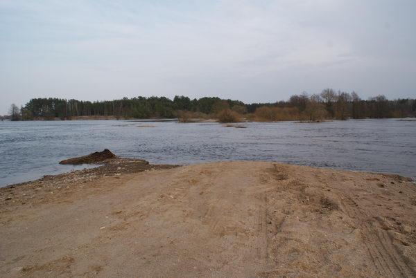 Наводнение в Белоруссии. Разлив реки Неман. Река Уса смыла сельскую дорогу