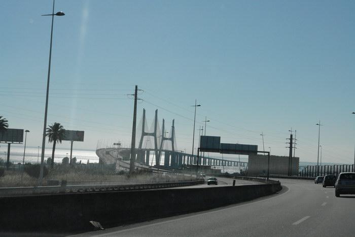 Португалия, мост через Тахо у Лиссабона