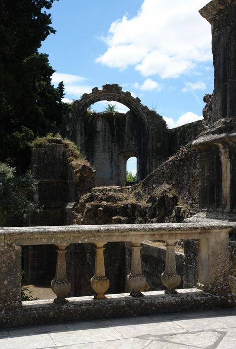 Португалия. Томар. Замок тамплиеров. Внутри замка